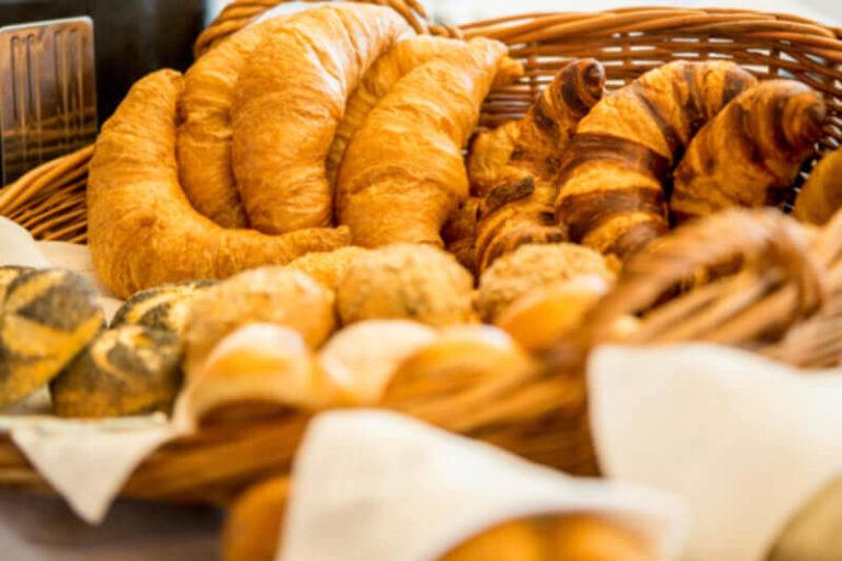 Hotelfrühstück - Brot
