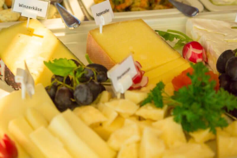Hotelfrühstück - Käse
